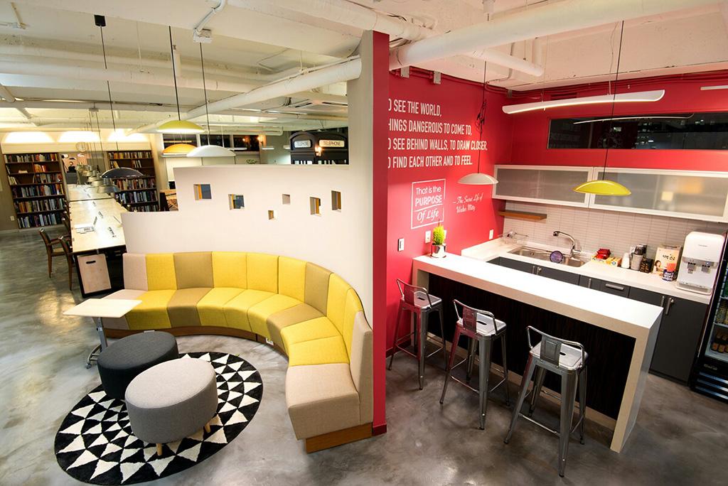 Sofa_and_Kitchen